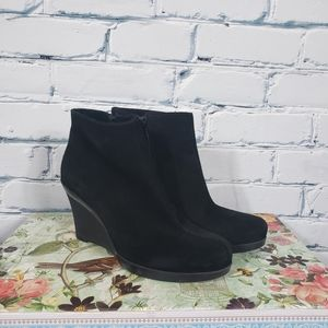 La Canadienne Black Suede Wedge Ankle Boots